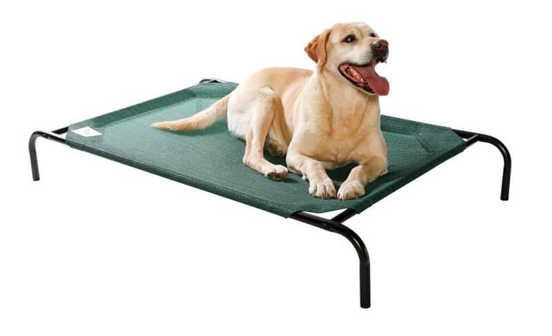 Cama elevada para mascota con tela